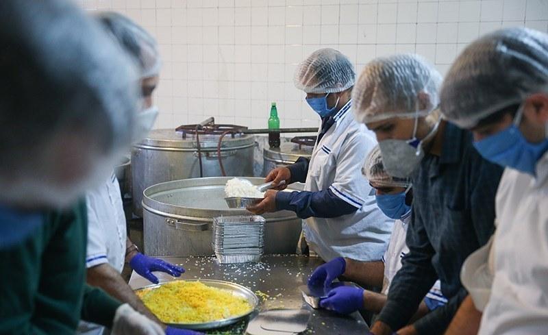 تا به امروز 18500 وعده غذای گرم در بیمارستان ها توزیع شده است