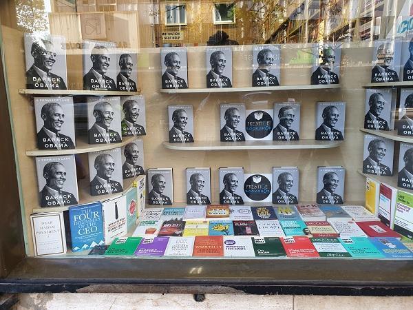 فروش کم سابقه کتاب اوباما در اولین روز انتشار